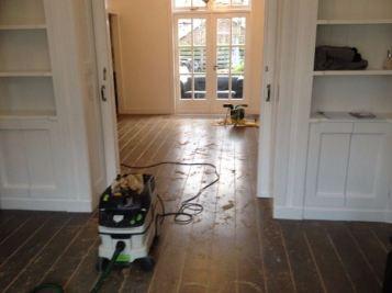 Renovatie eikenvloer (voor het schuren)